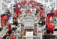 Robot İşçilerle Üretim Yapan İlk İnsansız Fabrika Çin'de Kuruldu