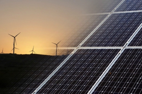 Rüzgar ve Güneşten Enerji Üreten Bayrak Geliştirildi