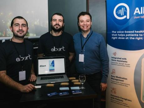 Türkiye'nin İlk Sesli Mobil Sağlık Asistanı: Albert Health