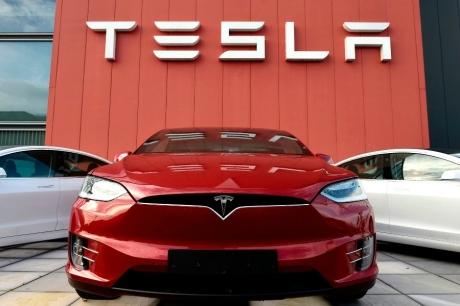 Tesla Otomotiv Şirketi mi, Teknoloji Şirketi mi?