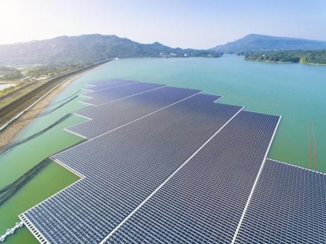 Dünyanın En Büyük Yüzen Güneş Çiftliği Geliyor