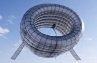 Havada Asılı Kalan Rüzgar Türbini