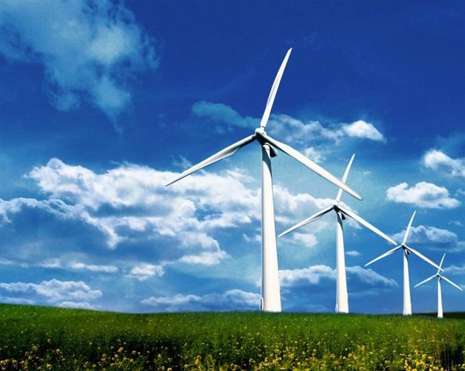 Rüzgar Enerjisi : Havadaki tanecikler sahip oldukları kinetik enerjiyi çarpma ve sürtünme yolu ile rüzgar gülünün kanatlarına aktarır. Kanatların dönmesiyle kinetik enerji önce mekanik enerjiye daha sonrada motor yardımıyla elektrik enerjisine dönüştürülür.