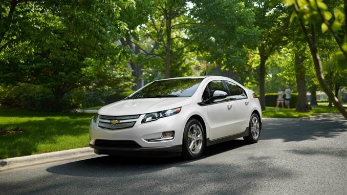 Chevrolet Volt : Chevrolet'in hibrit arabası Volt 149 beygir gücünde. 16 kwh bataryaya sahip Volt aynı zamanda 1.4 L , 4 silindir motora sahip.