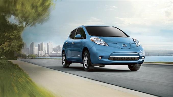 Nissan Leaf : Nissanın dikkat çeken bu otomobilin beygir gücü 107. 24 kwh bataryalara sahip olan Leaf'in 3 değişik modeli bulunmakta.