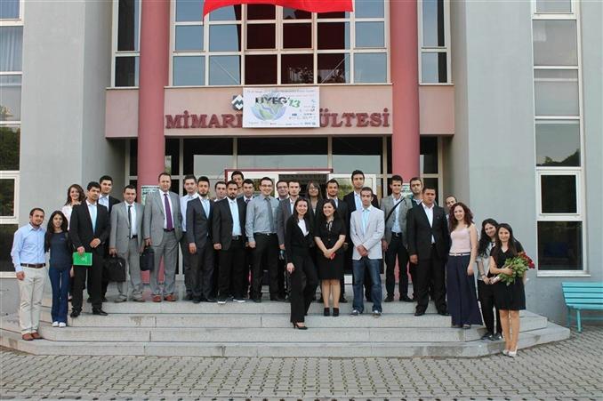Dokuz Eylül Üniversitesi IEEE kolu tarafından hazırlanan ElektrikPort' un Reklam Sponsorluğunu üstlendiği; birbirinden değerli firmaların desteklediği, konuşmacı olarak yer aldığı Ulusal Yenilenebilir Enerji Günleri ve Proje Yarışması tamamlandı.