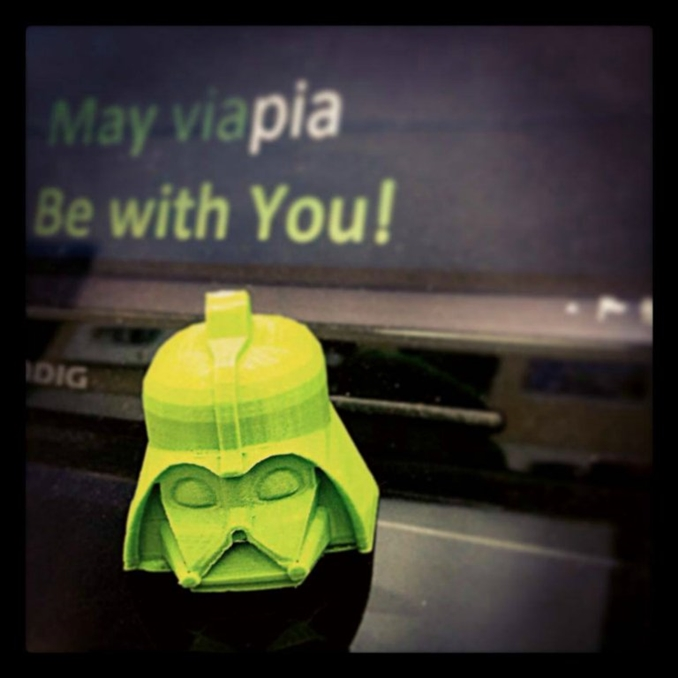 3D Yazıcılar bazen de Star Wars'u ayaklarınıza getiriyor. Arkadaşlarınıza sunabileceğiniz minik bir hediye.