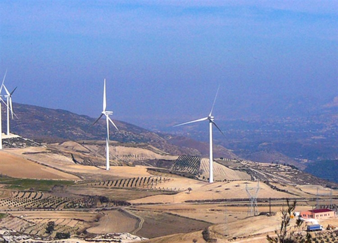 Aksa Enerji Hatay Sebenoba Rüzgâr Enerjisi Santrali (30 MW):  67 metre yüksekliğinde 15 adet VESTAS 2MW V80 rüzgar türbini bulunmaktadır. Karbon salınımları için Voluntary Emission Certificates [Gönüllü Emisyon Sertifikası] (VER+) mevcuttur. Lisans sahibi Deniz Elektrik Üretim Ltd. Şti.'dir. Vestas ile yapılan 3 yıllık O&M anlaşması altında %95 emre amade garantisi mevcuttur. 2012 yılında montajı tamamlanmıştır.