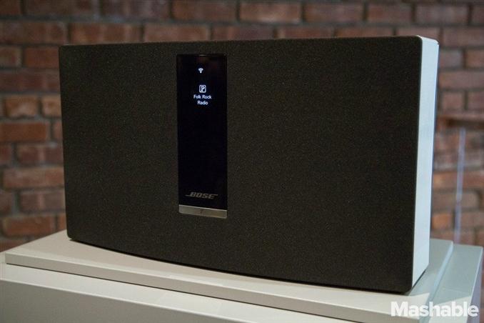 SoundTouch 30 ($699) en büyük hoparlör, büyük odalarda kullanılan modeldir.