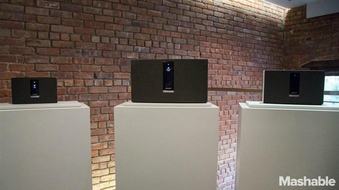 Fiyatları (soldan sağa), SoundTouch Portable ($399), SoundTouch 30 ($699) ve Sound Touch 20 ($399).