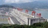 10- Three Gorges Barajı: (28 milyar $) Three Gorges Barajı, dünyanın bugüne kadar inşa edilen en pahalı hidroelektrik projesi olarak kabul ediliyor.