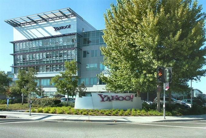 Yahoo (Web): $4.984.000. | İlk başlarda arama motoru hizmeti verirken tanınmış bir portal haline gelen site, birçok hizmetle internette lider oldu. E-posta, haberler, ilanlar, oyunlar gibi hizmetlerini devam ettirmeye çalışan site şu sıralar eski günlerine geri dönmeye çalışıyor.