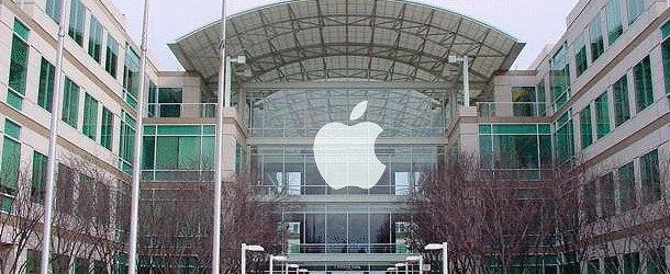 Apple ( IT-Tüketici) : $127.841.000 | Apple sadece silikon vadisi'nin değil tüm dünyanın da en değerli şirketi olarak listede ilk sırada yerini alıyor. Başarılı teknoloji üreticisi, iPhone, iPad, iPod gibi birçok trend olmuş cihaza imzasını atmıştır.