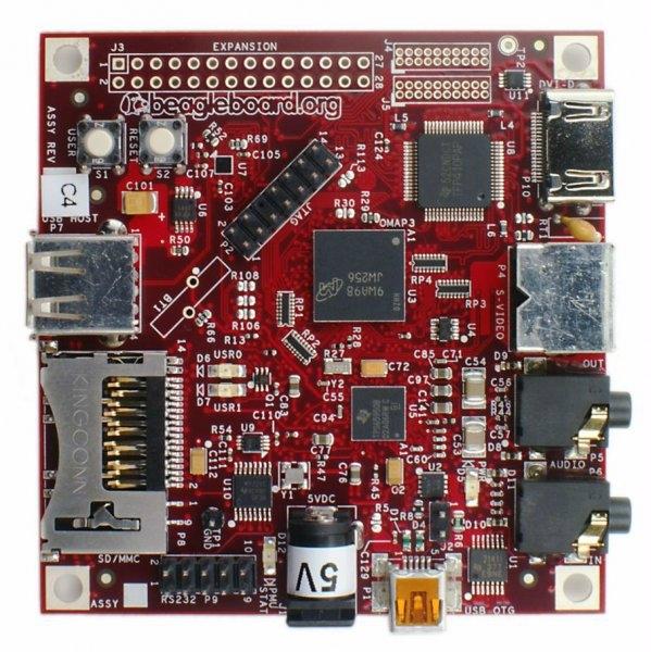 Beagle Board düşük güç tüketimli, açık kaynak kodlu, tek kartlı basit bir bilgisayar. Texas Instruments tarafından geliştirilmiş. ARM Cortex A8 CPU, TMS320C64x+ DSP (Video ve ses uygulamaları için), PowerVR SGX530 GPU(2D ve 3D uygulamalrı için) içeriyor.