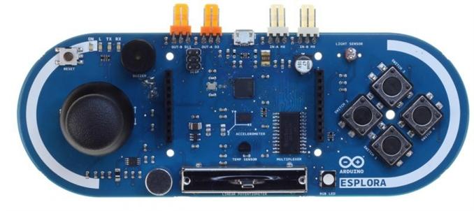 Arduino Esplora Arduino Leonardo'nun bir türevi.  ATmega32u4 tabanlı. 20 giriş/çıkış pini var. 7 si PWM ve 12 si analog giriş olarak kullanılabiliyor. 16 MHz kristal osilatöre sahip. Esplora diğer Arduinolardan üzerinde kullanıma hazır gelen bezı sensörlerle ayrılıyor. Dha çok elektronik bilgisi olmayan ve öğrenmek zorunda kalmadan birşeyler yapmak isteyenler için geliştirilmiş.