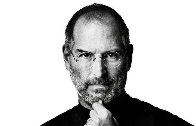 2011 Ekim ayında Apple'ın kurucusu ve CEO'su Steve Jobs vefat etti.