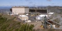 The Geysers—California, USA  Gayzer 350'den fazla kuyulardan buhar alan, 1.517 MW aktif kurulu güce sahip, 22 jeotermal elektrik santralinden oluşan bir komplekstir.