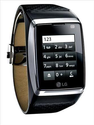 Kol saati şeklinde telefon Lg nin orijinal eseri 3.4 cm boyunda dokunmatik ekrana sahip. 4 bant ve 3G bağlantıyı destekliyor.
