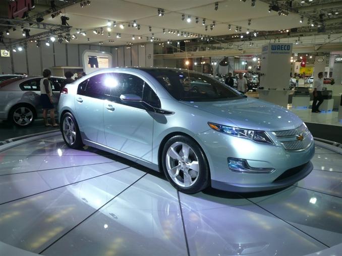 2007 yılında konsepti tasarlanan ve 2010 yılında üretime başlanan araç 2011 yılından beri sokaklarda yerini almış durumda. Bob Boniface tarafından tasarlanan araç, Amerika'nın Detroit şehirinde üretiliyor. 5 kapılı hatch-back olan araç, önden çekişli ve motoru da ön tarafta bulunuyor.