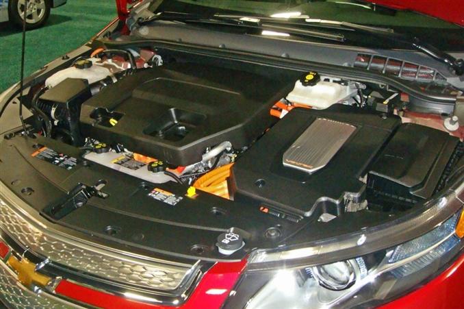 1398 cc EcoFLEX LUU I4 içten yanmalı motorun yanı sıra 149 beygirlik ve 74 beygirlik iki farklı elektrik motoru seçeneği bulunmakta. Bataryanın belirli bir seviyenin altına düşmesinin ardından içten yanmalı motordan gerekli enerji sağlanabiliyor acil durumlarda. Doğal olarak bu durum kısa süre için yeterli oluyor ve ayrıca fren destek mekanizmasının da desteği sağlanıyor.