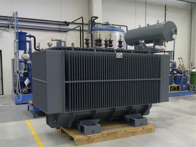 Dağıtım transformatörleri, elektrik enerjisini orta gerilimden (3.3-36 kV), alçak gerilime (≤1000 V) indirmekte kullanılır.