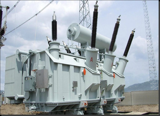 Güç transformatörleri, yüksek gerilim hatlarında gerilimi artırıp azaltmak içim kulllanılır. (440 kV, 200 kV, 110 kV, 66 kV, 33 kV) Genellikle 200 MVA üzeri trafolar bu sınıftadır.