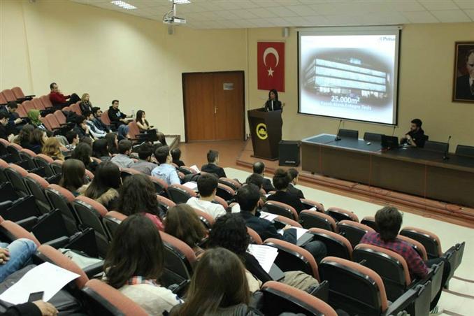 ElektrikPort, İstanbul Üniversitesi IEEE Kulübü ile birlikte düzenlediği Sektör Günleri etkinliğine Pelsan Aydınlatma, 2M KABLO ve IBC Solar'ın konuşmacı olarak yer aldı.