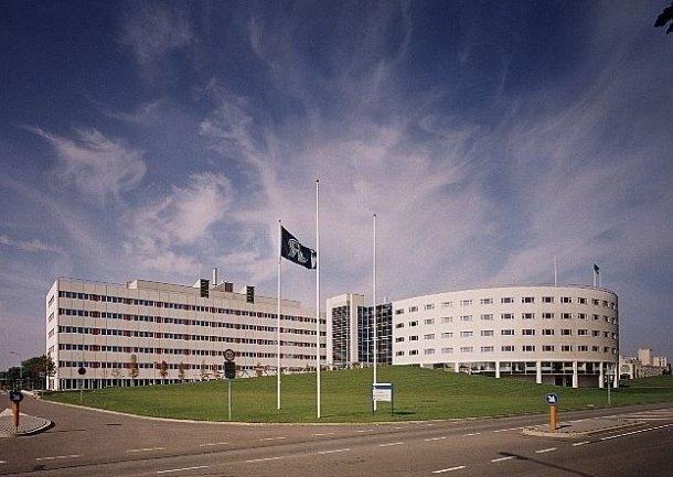 7. Maastricht University  Hollanda'da 1967 yılında kurulan üniversite 122. sırada yer alıyor. Eğitim puanı 33.1 ve 1815 akademik perosnele sahip. Girişimcilik puanı 98.2 ve araştırma puanı 47.1 .