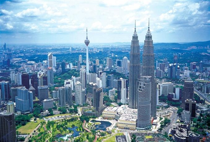 Malezya: 130 milyar dolar nakit rezerve sahip.
