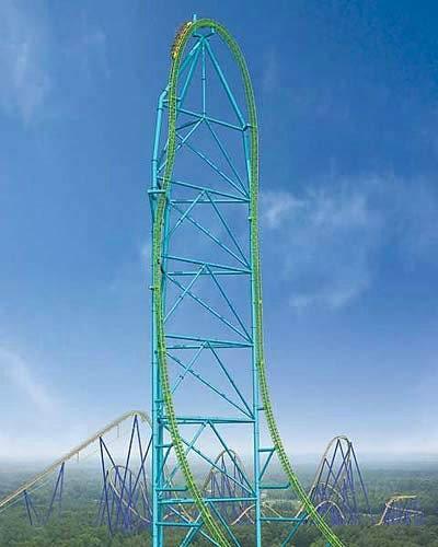 Mühendislik harikalarına Roller-Coaster dahil edilir mi ? diye düşünebilirsiniz. Ancak söz konusu yapı Kingda-Ka ise bir daha düşünmenizde fayda var. Bizzat kendimin test ettiği, Amerika'nın New Jersey eyaletindeki Six Flags eğlence parkında bulunan bu çılgın yapı, insanları adrenalinden öteye götürüyor. 3,2,1 Go go go, komutuyla çalışan Kingda-Ka, hidrolik sistem yardımıyla kalkışını gerçekleştirip ve çok kısa bir süre sonra (3.5 saniye) 200 km/h hızla 140 metreye tırmanırken, zirvede tam inişe yakın duruyor ve benim gibi yükseklik korkusu olanlar, korkudan kendilerinden geçiyorlar. Tarifi imkansız bir korku yaşıyorsunuz. İniş sırasında ise döne döne inerek sizi aşağıya ulaştırıyor.