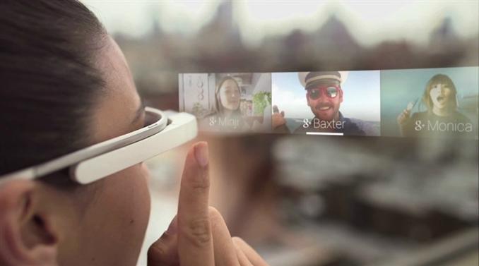 Google Glass: Tasarımı Google'a ait olan ve Faxon firması tarafından üretilen Google Glass, gözlük şeklindeki giyilebilir bir bilgisayardır. Üzerindeki dokunmatik pad veya ses ile kontrol edilebilen cihazın, yakın gelecekte akıllı telefonların yerini alacağı tahmin ediliyor.