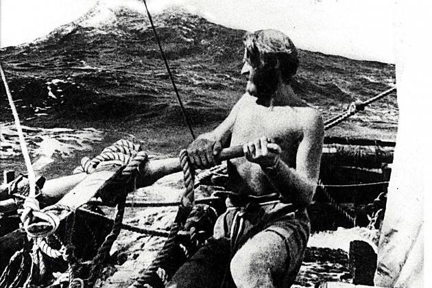 Thor Heyerdahl: Eski insanların uzaktaki uygarlıklarla sazdan yaptıkları kayıklar ile ticaret yaptığını düşünen Norveçli antropolog, 1947 yılında sazlardan yaptığı sandal ile 101 günde 7000 km yol kat etmiş. Yakın geçmişte ortaya çıkarılan genetik bulgular bu savı destekledi.