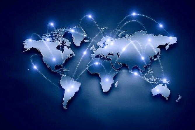 İnternetin altyapısını oluşturan teknolojinin temeli ne? Günümüzde yaklaşık 3 milyar kullanıcı, 10 milyar bilgisayar üzerinden aktif olarak internet kullanıyor. Haliyle bu inanılmaz rakamlar, inanılmaz bir altyapı gerektiriyor. İnternetin temelini ise transistörler oluşturuyor. İnternet, yaklaşık 10 üzeri 18 tane transistör içeriyor. Sizce de çok fazla değil mi?