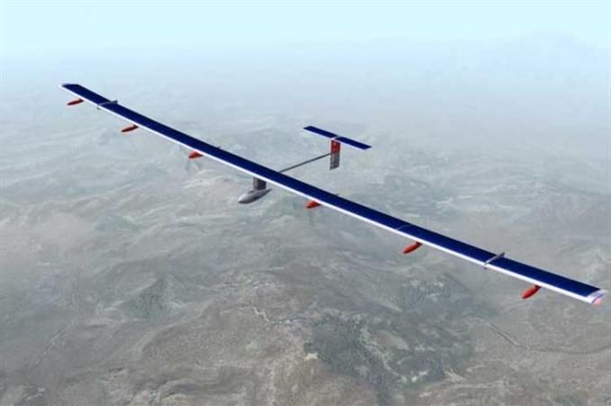 Boeing 777 uçaklarının 63 metrelik kanat genişliğine sahip 4 motorlu uçakta, güneş enerjisini depolamak için 12 bin güneş hücresi bulunuyor. <br/><br/><p> </p>