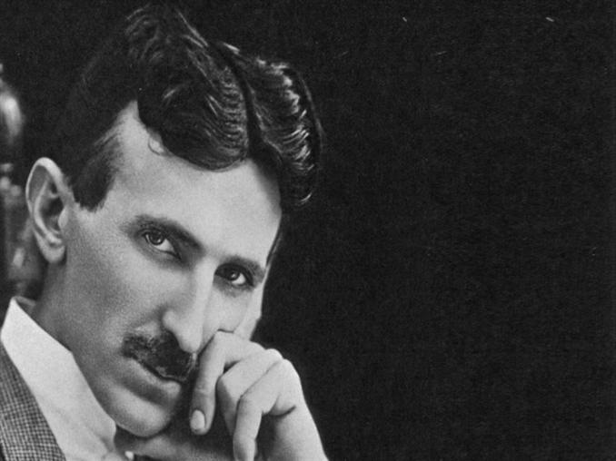 Alternatif akımın babası, yaptığı çalışmalar ve buluşlarla hayatımızı aydınlatan ünlü fizikçi Nikola Tesla'yı her yıl 7 - 12 Ocak günleri arasında ölüm yıldönümünde anıyoruz. Bu fotoportumuzda da Nikola Tesla'nın en ünlü 10 sözünü derledik: