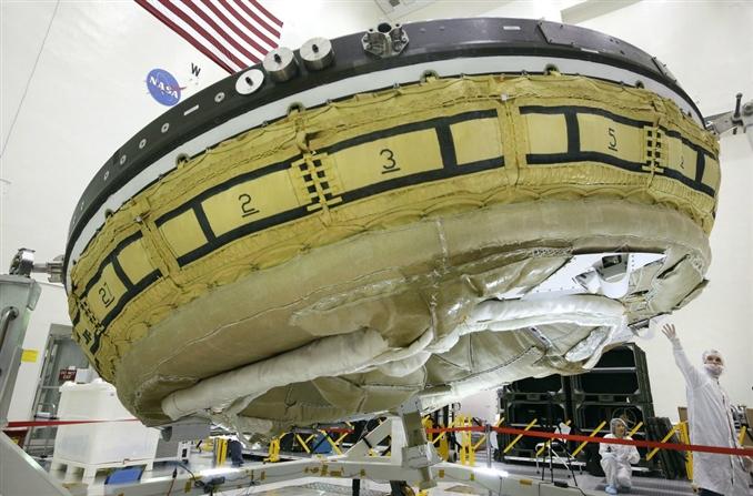 LDSD: Uzay aracı denildiğinde aslında çoğumuzun aklına uçan daireler gelir. Çoğu uzay aracı ise bu tasarımdan uzaktır. Yeni nesil uzay aracı LDSD ise hipersonik hızlarda, paraşüt ve balon gibi hız kesme sahip bir uçan daire. Bu aracın geliştirme çalışmaları halen devam ediyor.
