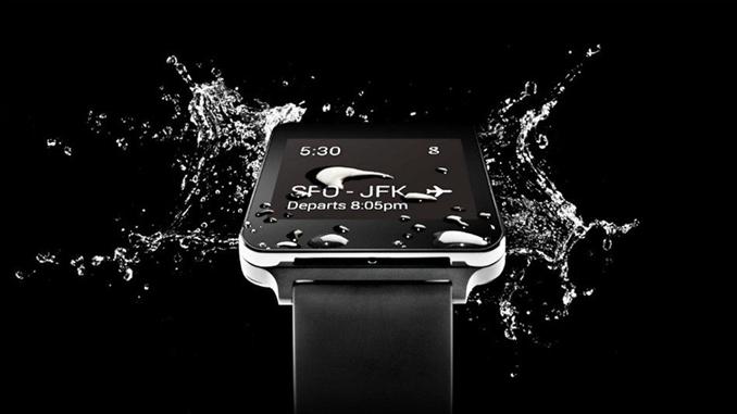 Lg G Watch: 1.65 inç 280x280 çözünürlüğünde IPS ekrana sahiptir. Qualcomm Snapdragon 400 APQ8026 çipi kullanılan cihaz 512 MB RAM ve 4 GB dahili depolamayla sunuluyor. ARM Cortex-A7 1.2 GHz gücünde işlemci ve Qualcomm Adreno 305 grafik işlemcisine sahiptir. Bluetooth 4.0 teknolojisiyle bağlantı kurabiliyor. 400 mAh pil kapasitesine sahiptir.