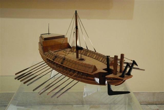 Gemi: Da Vinci'nin gemi tasarımı.