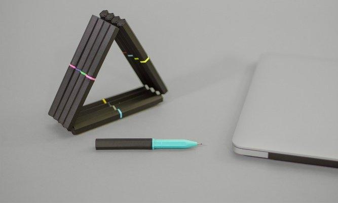 Manyetik kalemler: Masa üzerindeki kalemler zaman zaman dağınıklığa neden olabiliyor. Bu dağınıklılık da kalemlerin kaybolmasıyla sonuçlanabiliyor. Neodimyum mıknatıslı manyetik kalemler hem kaybolma ihtimalini en aza indiriyor hem de estetik bir görüntü oluşturuyor. Kalemin değeri ise 37$.