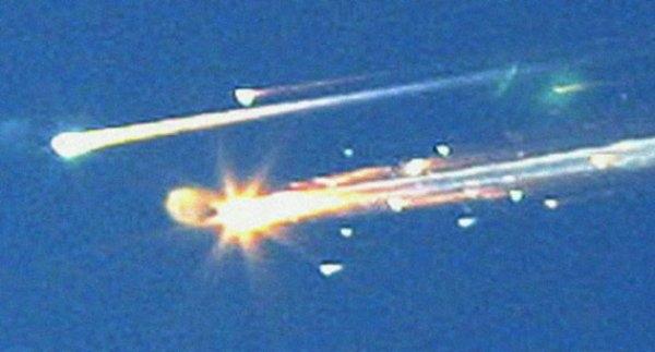 Columbia felaketi – 2003: Columbia Uzay Mekiği kazası, 1 Şubat 2003 tarihinde, STS-107 adlı mekiğin görev uçuşu esnasında gerçekleşmiştir. İçinde 6 Amerikan ve 1 İsrailli astronot bulunan mekik, inişe 16 dakika kala, saat 16:00'da düşmüştür. Kalkış sırasında ana yakıt tankından kopan bir parçanın mekiğin sol kanadına verdiği zarar sebebi ile mekik Dünya'ya dönüşte atmosferde parçalanmıştır. Columbia Uzay Mekiği kazası, 1986 yılında gerçekleşen Challenger Uzay Mekiği kazasından sonraki 2. uzay mekiği kazasıdır.