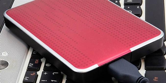 Harici Sabit Sürücüler: Harici sabit diskler, birçok kişi için ek depolama, veri güvenliği ve yedekleme sağlamak için paha biçilmez hale gelmiştir. Hayal edebileceğiniz gibi onları yapma süreci oldukça zahmetli.