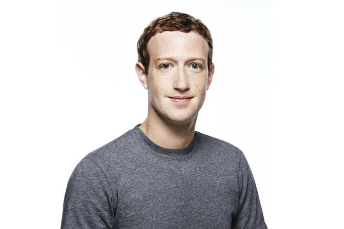 Mark Zuckerberg: Facebook CEO'su Zuckerberg, 71 milyar dolar servete sahip. Zuckerberg ayrıca bilgisayar mühendisliği mezunu.