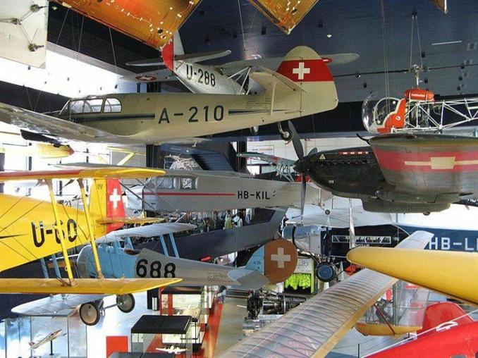 İsviçre Ulaşım Müzesi: Luzern'de bulunan ve 1959 yılında açılan müze, İsviçre'deki ulaşımın geçmişine ışık tutuyor. Müzede, 1900'lerin başından itibaren kullanmaya başlanan araba modellerinden 1:20.000 ölçekli hava araçlarına kadar geniş bir yelpazede araçlar sergileniyor.