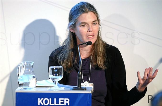 Daphne Koller: Erken yaşta kodlamaya başlayan Daphne Koller, üniversite eğitiminin online olmasının bir öneminin olmadığını, asıl önemli olanın bu eğitimin nasıl verildiği düşüncesini savunmuştur. Bu düşüncesine paralel olarak işlev gören Coursera'nın kurucusudur. Coursera programlama adına bilmeniz gereken ve öğrenmek istediğiniz bilgileri içeren bir online eğitim platformudur.