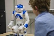 Yapay zeka ve robot teknolojilerinin günden güne gelişmesiyle kişisel robotlar hayatımızda yerini almaya başlıyor. Bu yazımızda bazıları teknoloji marketlerinde yerini almış bazıları da piyasaya sürülmek üzere olan 2020 yılının en iyi 10 kişisel robotunu derledik.