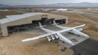 5. Stratolaunch: Dünyanın en büyük uçağı olan Stratolaunch, 117 metre kanat açıklığına ve 580 ton ağırlığa sahip. Araç, havalanmak için 6 motora ihtiyaç duyuyor. Stratolaunch, uzaya roket fırlatmak için Microsoft'un kurucu ortağı Paul Allen tarafından tasarlanmış bir yapı.