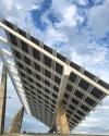 """10.Parc Del Forum Projesi: Yapımında 2668 mono-kristal panel kullanılan ve """"Pergola"""" olarak da anılan proje, 35 derecelik eğimle 4 beton ayağın üzerinde yükseliyor. İspanya'nın Barcelona şehrinde bulunan proje garip yapısıyla çok sayıda turistin de ilgisini çekiyor."""
