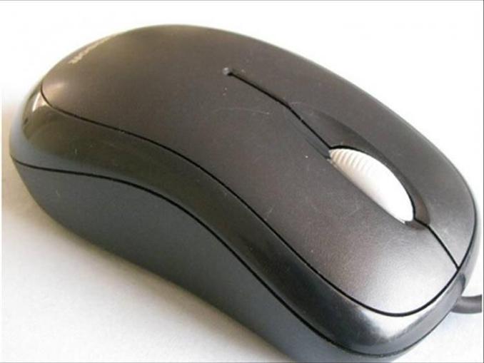 Optik fareler, klasik toplu farelerin yerlerini uzun zaman önce aldılar. Bu sayede farelerin hassaslıkları arttı ve daha temiz bir kullanıma sahip oldular. Bu yazımızda optik farenin iç dünyasına yolculuk yapacağız.<br/><br/><p> </p>