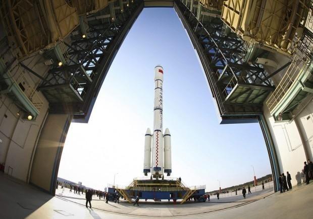 """Ulusal basında yer alan haberlere göre, Çince'de """"Semavi, Göksel Saray"""" anlamına gelen Tiengong-1'in 8,5 ton ağırlığında olduğu belirtilirken, Çin'in insanlı uzay programı sözcüsü Vu Ping mekiğin bir uzay istasyonu kurulması ve işletilmesi için önemli bir teknik işlemi gerçekleştirmek için gönderildi."""