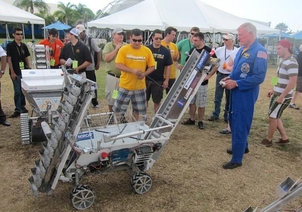 4 yıllık makine mühendisliği okuyan 8 üyeli takım yarışmayı 237,4 kilogramlık sentetik olarak üretilmiş olan ay maddesi toplayan bir lunabotla kazandı.Yarışmanın amacı uzaktan kontrol edilebilen mümkün olduğunca fazla kazabilen ve kazdığı maddeleri biriktirebilen lunabot adı verilen bir kazı aleti yapmaktı.